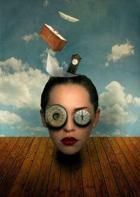 mujer-con-ojos-de-reloj